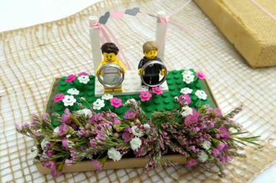 Ringkissen aus Legosteinen