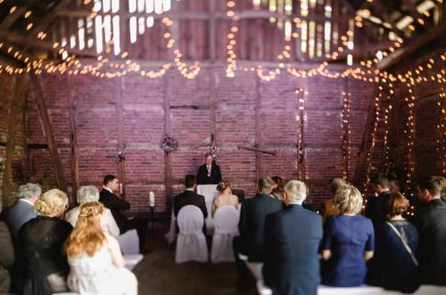 Rede während der Trauzeremonie